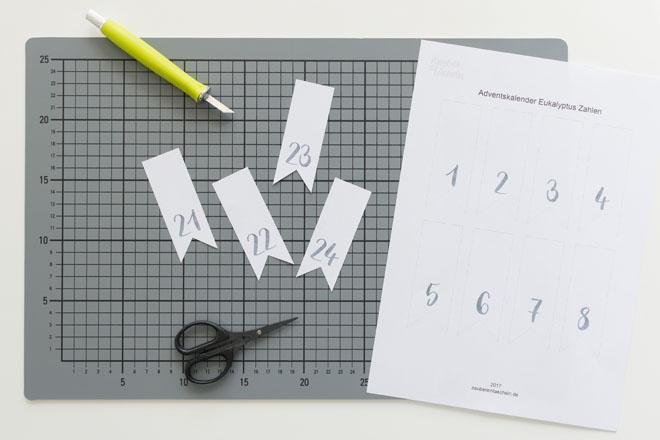 Adventskalender selber machen, Zahlenfähnchen ausschneiden
