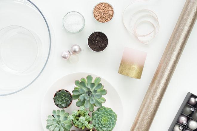 Material für den modernen Adventskranz zum selber machen mit Sukkulenten in Greenery, Rosé und Gold