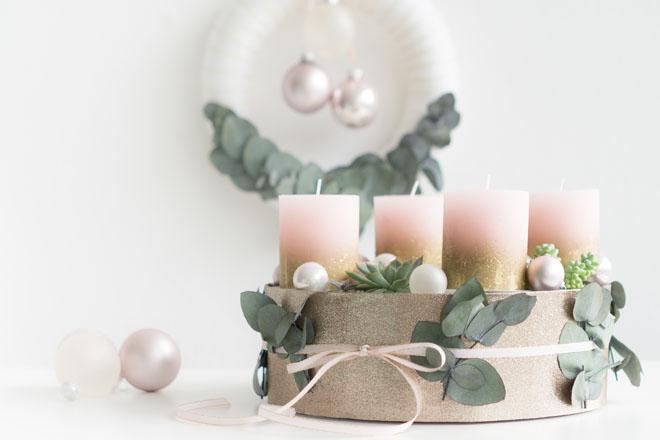DIY | Adventskranz selber machen: Modern mit Sukkulenten in Greenery, Rosé und Gold
