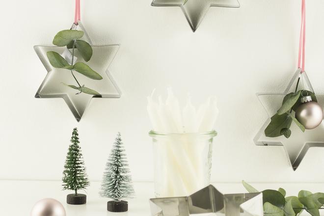 DIY | Weihnachtlichen Baumschmuck basteln mit Keksausstechern und Eukalyptus in drei Varianten