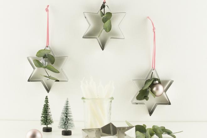 baumschmuck basteln mit keksausstechern und eukalyptus. Black Bedroom Furniture Sets. Home Design Ideas