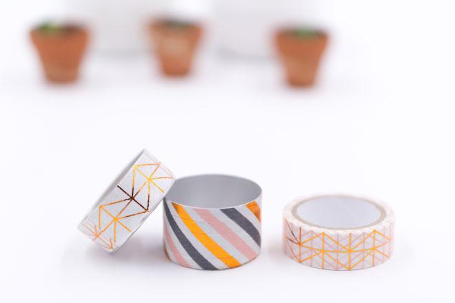 Minigarten basteln mit Teelichtern, leere Teelichter mit Washi Tape bekleben