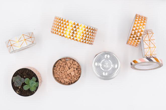 Minigarten basteln mit Teelichtern, Mini-Sukkulenten eintopfen