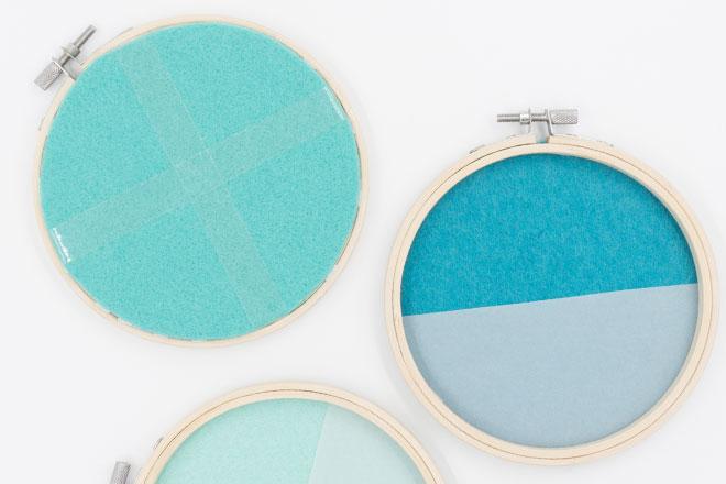 DIY-Idee, Wanddeko selber machen, aufgeklebter Filz fixiert mit Klebeband