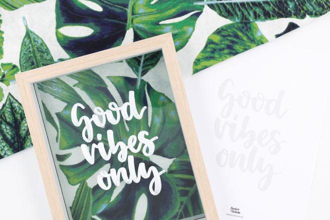 Tropical Vibes meets Lettering: Bilderrahmen dekorieren - fertiges Kunstwerk