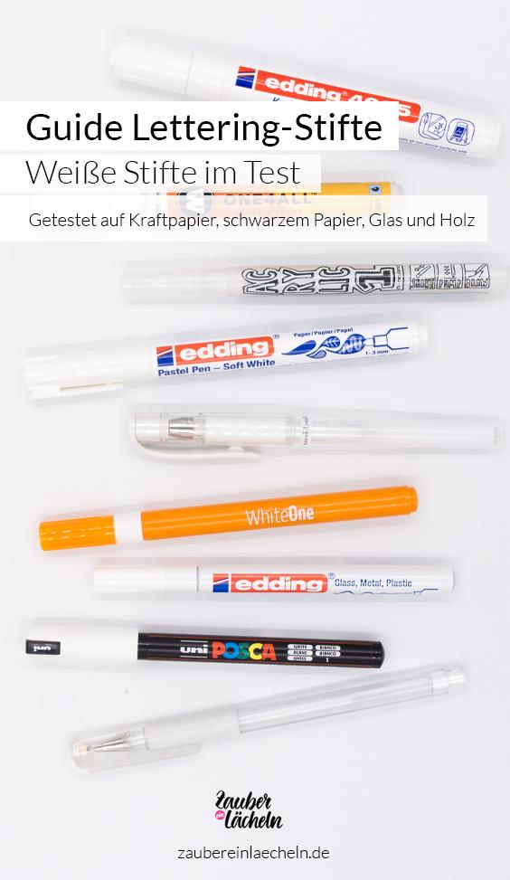 Entdecke im großen Guide den passenden weißen Lettering Stift für dein nächstes Projekt. Egal ob für Kraftpapier, schwarzes Papier, für Glas oder auch Holz für jedes Material findest du den perfekten weißen Stift. Getestet wurden insgesamt neun Lettering Stifte.