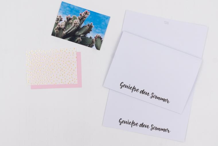 Für die Karten gestalten-Idee einfach Papier aufeinanderkleben