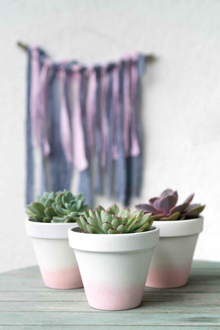 Blumentöpfe bemalen mit Acylfarbe, DIY-Idee für Sukkulenten