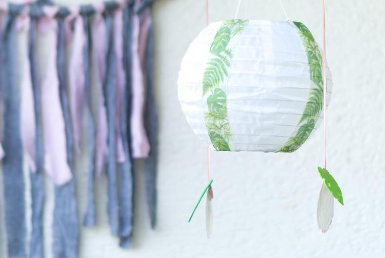 Verzierte Solarlampions als Gartendeko, eine ganz schnelle und einfache DIY-Idee
