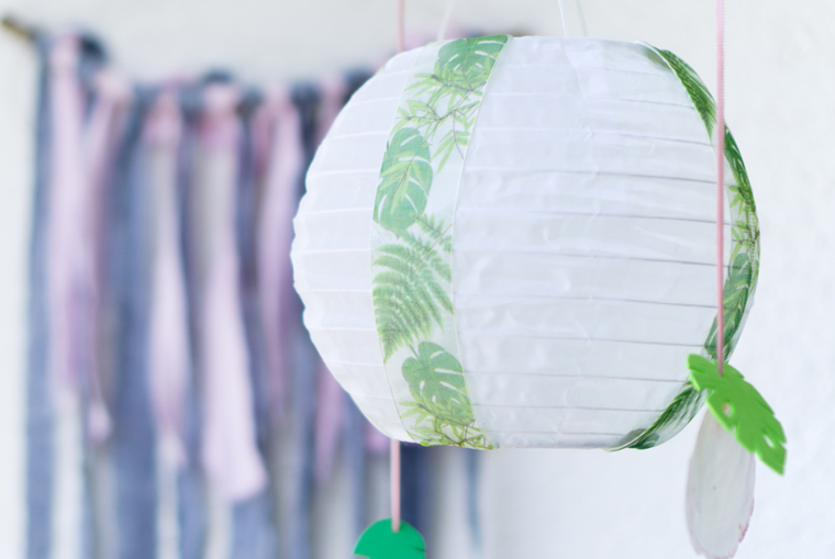 Gartendeko selber vierzieren: Solarlampion im Tropical Vibes Stil