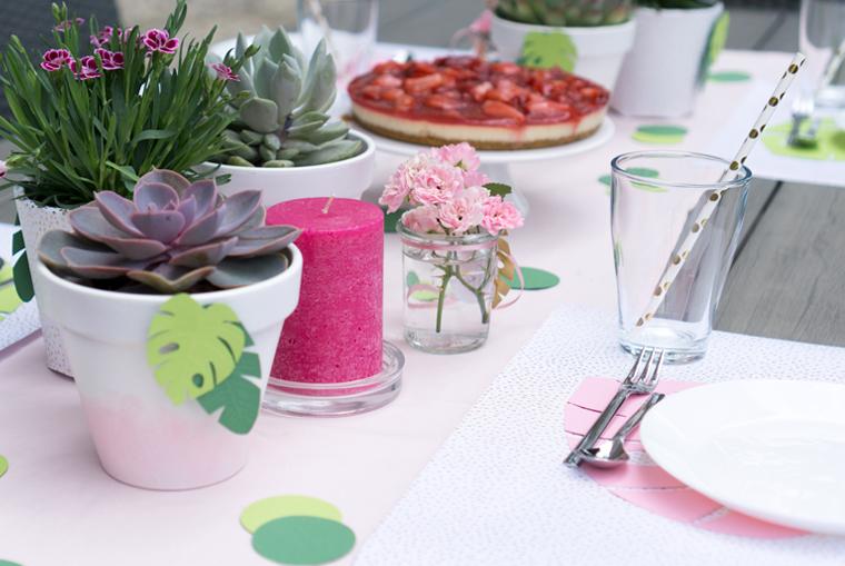 Party Deko für eine Gartenparty im Tropical Vibes Look