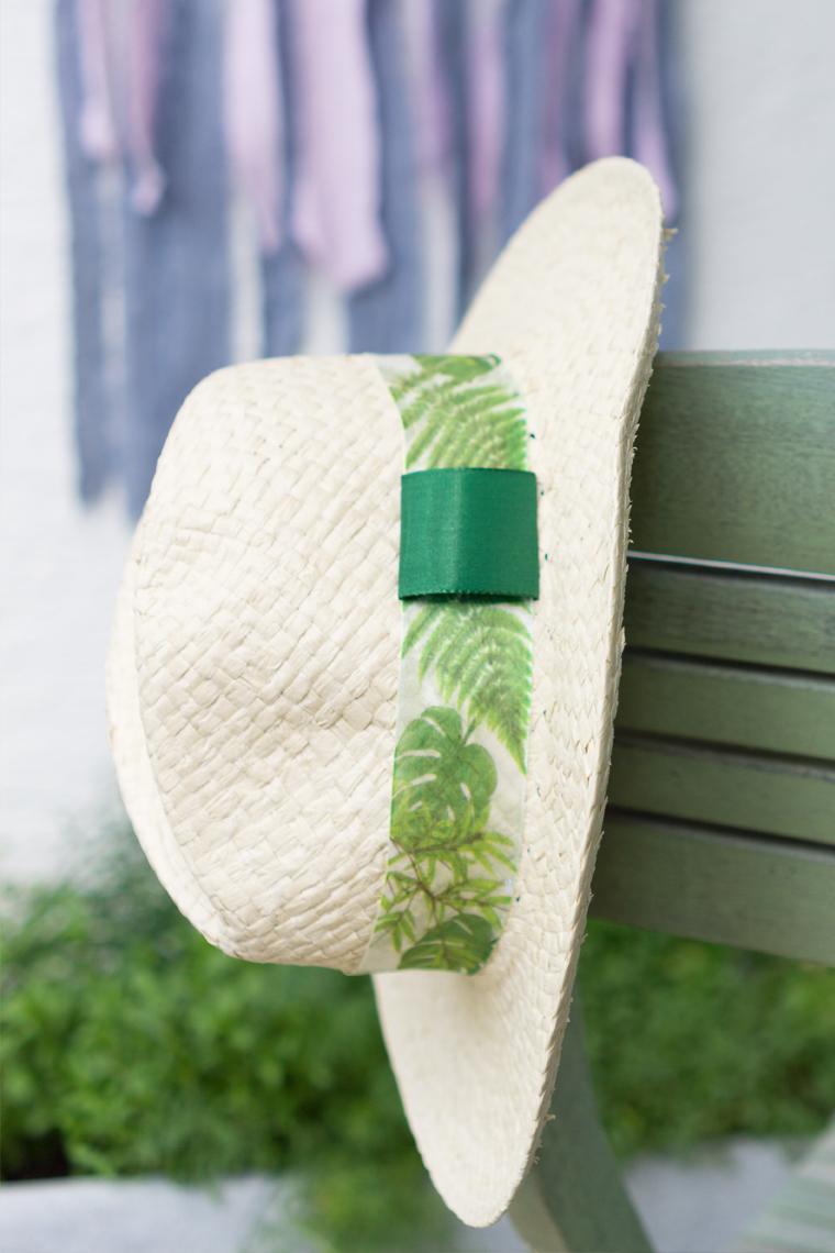 Dekorierter Strohhut als Sommer Accessoire