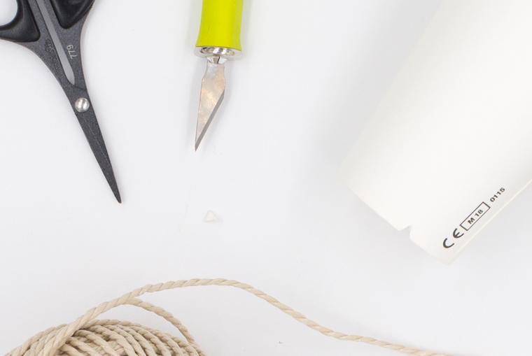 Pappbecher für DIY Übertöpfe im Korb-Stil vorbereiten
