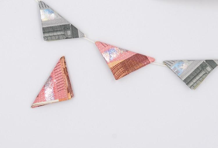 Wimpelkette mit Geldscheinen für ein Geldgeschenk