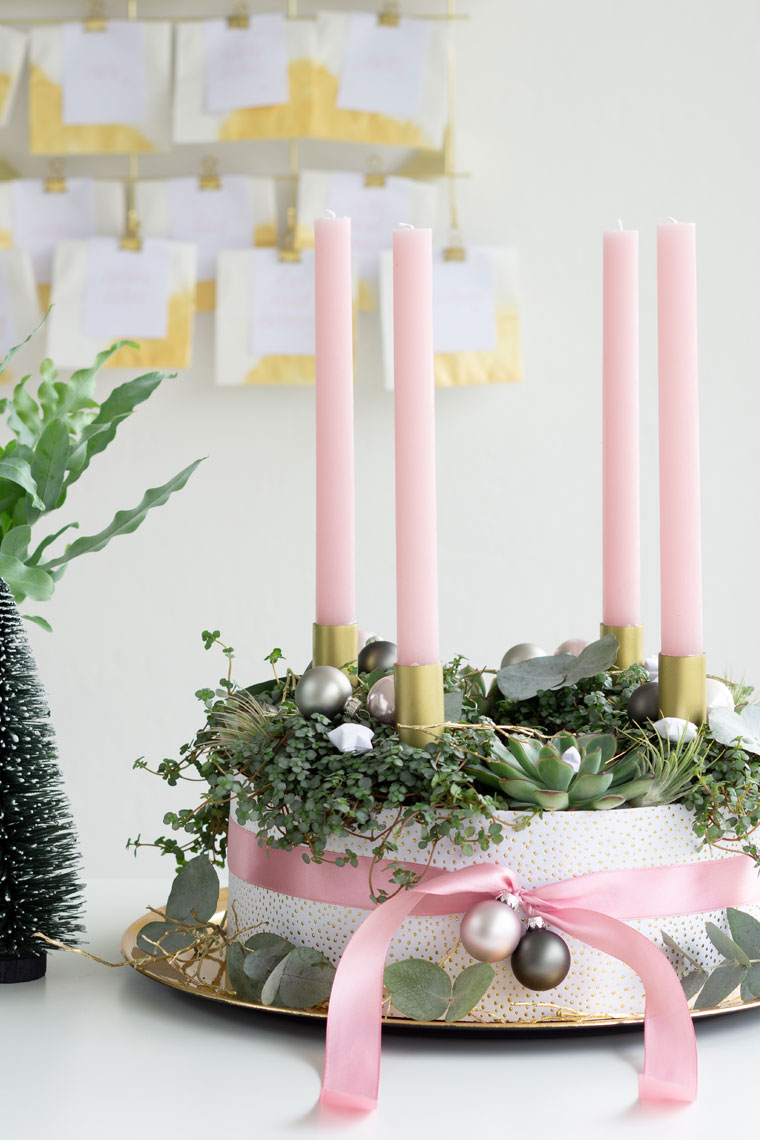 Fertig dekorierter Adventskranz