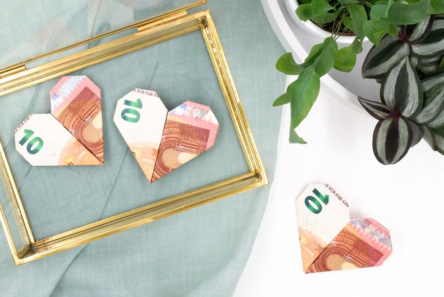 Geldscheine Falten Als Herz Eine Zauberhafte Idee Für