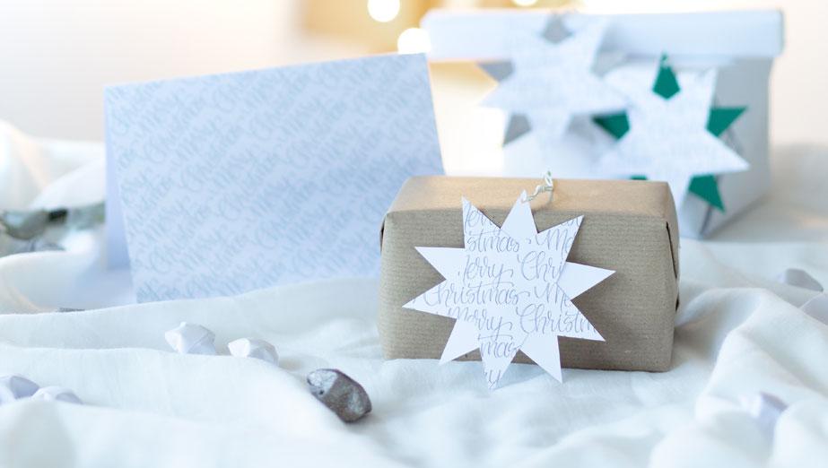 weihnachtskarten selber basteln mit passendem geschenkanh nger. Black Bedroom Furniture Sets. Home Design Ideas